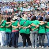 Las mujeres nos abrazamos. XXXI Encuentro Nacional de Mujeres en Argentina